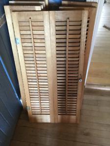 6 Persiennes en bois pour 3 fenêtres
