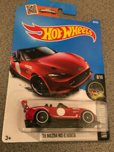 Hot Wheels 15 Mazda MX-5 Miata