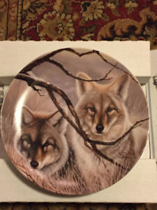 """Bradford Exchange Collector Plate """"Tan and Grey Foxes"""""""