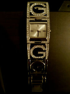 Montre & sacoche Guess
