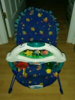 chaise bouncer fisher price fait musique