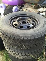 4 Hankook I Pike winter tires and rim