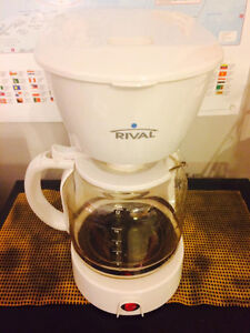 12-cup coffee maker - Rival brand