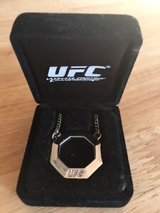 Men's UFC stainless chain and pendany