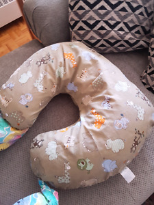 2 nursing pillows with removable covers