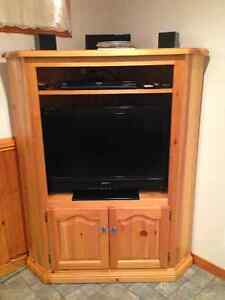 Corner pine entertainment unit