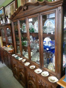 ANTIQUE DEILCRAFT CHINA DISPLAY CABINET SOLID WOOD