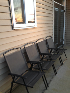 Patio set - Like New -4 Chairs, Table, Umbrella & Base, cushions