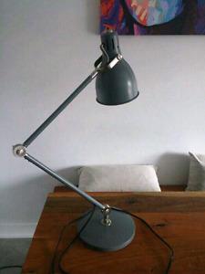 Lampe de bureau IKEA Arod COMME NEUVE