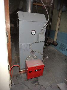 Fournaise Dettson au mazout à eau chaude 100 BTU (2007)