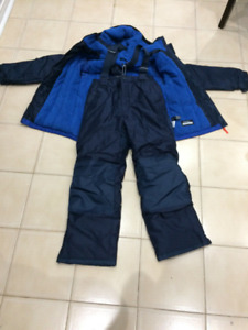 BRAND NEW 2 PIECE BOYS SNOWSUIT WITH TAG, SIZE 10-12