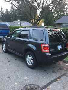 Like new 2008 Ford Escape Xlt low km North Shore Greater Vancouver Area image 4