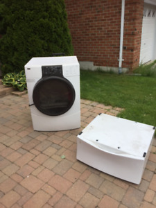 Kenmore HE4 Electric Dryer with Pedestal