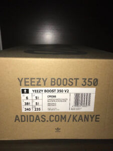 WHITE YEEZY BOOST 350 V2 (SIZE 6) FOR SALE -NEW WITH TAGS