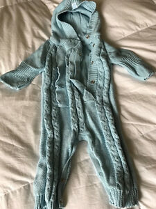Baby clothes in perfect condition ( barely worn)