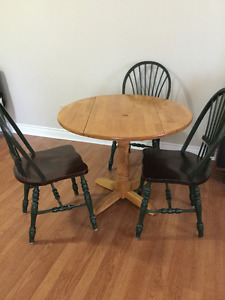solid wood dining table and 3 chairs free delivery