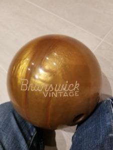 Bowling Ball - 14 lbs - Brunswick Vintage Rhino Pro