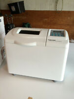 Breadmaker - Black & Decker - All-in-one Deluxe Horizontal