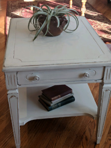 Classy Chic Vintage Coffee or end table