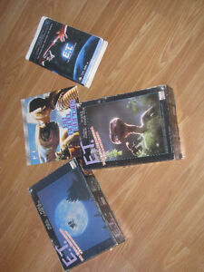 ET VHS / Book and puzzles