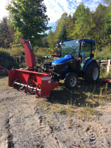 2014 New Holland Boomer 3050 w/ Front Mount Blower