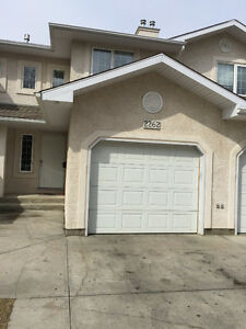 Townhouse with garage for rent