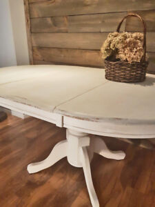 Table ronde style shabby chic rustique