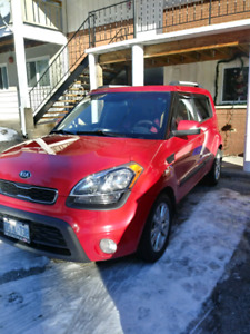 2013 kia soul 4 door red great shape