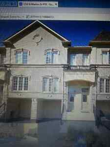 Executive 3 Bedrooms Townhouse,Bayly and Liverpool.. 401