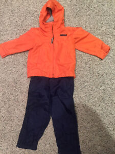 GAP fall/weather-proof coat and splash pants 3T
