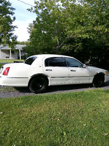 Lincoln ford auto blanc berline car automatique white good