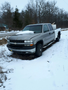 2001 Silverado 2500 6.6 diesel with extra chassis and lift kit