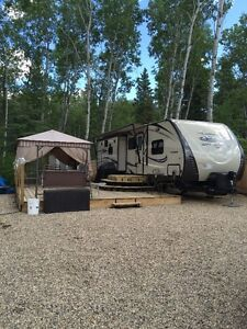 EMMA LAKE 2015 BRAND NEW TRAILER FOR SALE