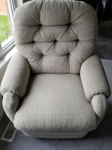 POWER LAZYBOY LIFT CHAIR RECLINER