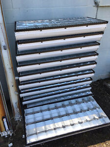 Variety of 4ft fluorescent tube fixtures Stratford Kitchener Area image 5
