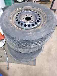 set of rims and tires off a 2003 Chevrolet venture Kitchener / Waterloo Kitchener Area image 1