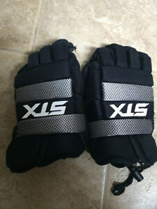 """Youth Junior STX Lacrosse Gloves- barely used - 8"""""""