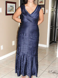 "Designer Dress ""JC Collections"" blue sapphire gown size 14/16"