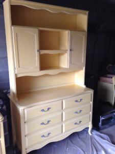 Beautiful French Provincial 9 pce. Bedroom Set
