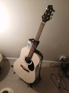 Greg Bennett Design - Acoustic Guitar