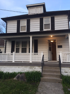 House for Rent - 212 Russel St N