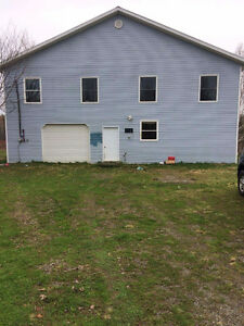 5 bedroom house for sale with a garage on lakefront property