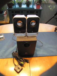 LOGITECH STEREO COMPUTER SPEAKERS