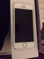iPhone 5S 16G (Rogers/Chatr) 2 Months Old