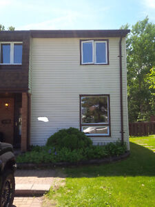 2 Storey Townhome Close to LU and TBRHSC *End Unit