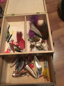I'm Looking to buy old fishing ,hunting and camping  stuff
