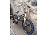 HIGH SPEC FLATLAND PRO BMX US IMPORTED RARE PARTS LOOKING TO SWAP FOR A HIGH SPEC BMX NOT MTB
