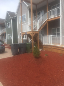 PET FRIENDLY LUXUARY 2 BEDROOM + DEN AVAILABLE May 1st, 2019