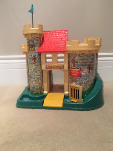 Vintage Fisher Price Castle / Château