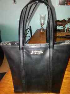 BEAUTIFUL NEW BLACK FAUX LEATHER GIVENCHY BAG